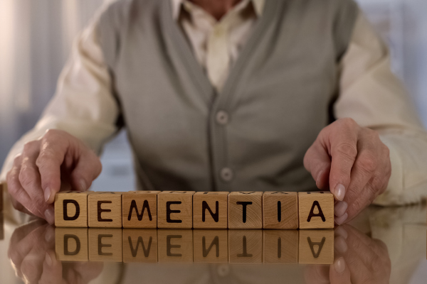 4 Tips for Better Communication With a Person Who Has Dementia
